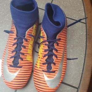 Nike soccer cleats youth size 5